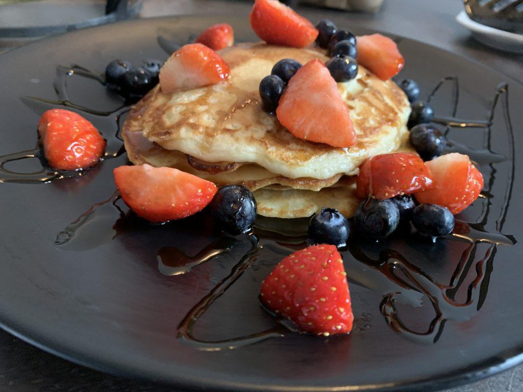 American pancakes op bord